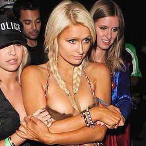 Paris Hilton et son bracelet shamballa