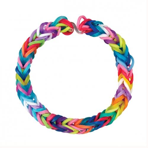 Voilà à quoi ressemble un bracelet Loom. Sympa non ?