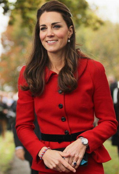La sublime Kate vue avec un bracelet Loom