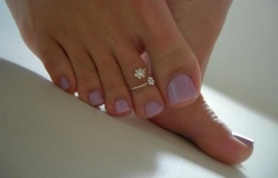 Trop mimi la bague aux doigt de pied pour l'été/