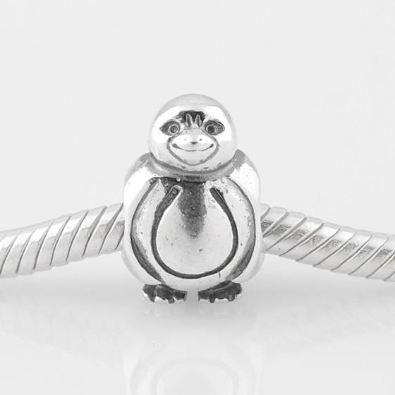 Un pingouin adaptable sur les bracelets Pandora.
