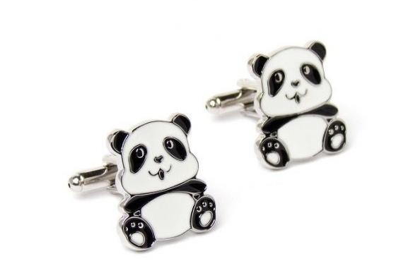 Un incontournable, les pandas de manchette !