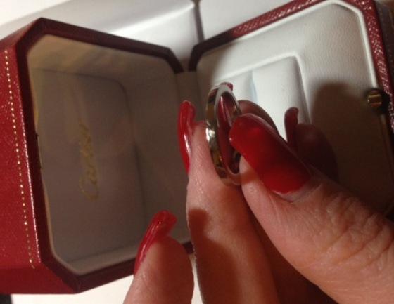 Aliance platine et diamant de Cartier