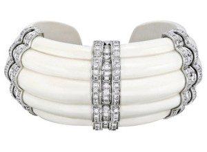 Bracelet en ivoire et diamant